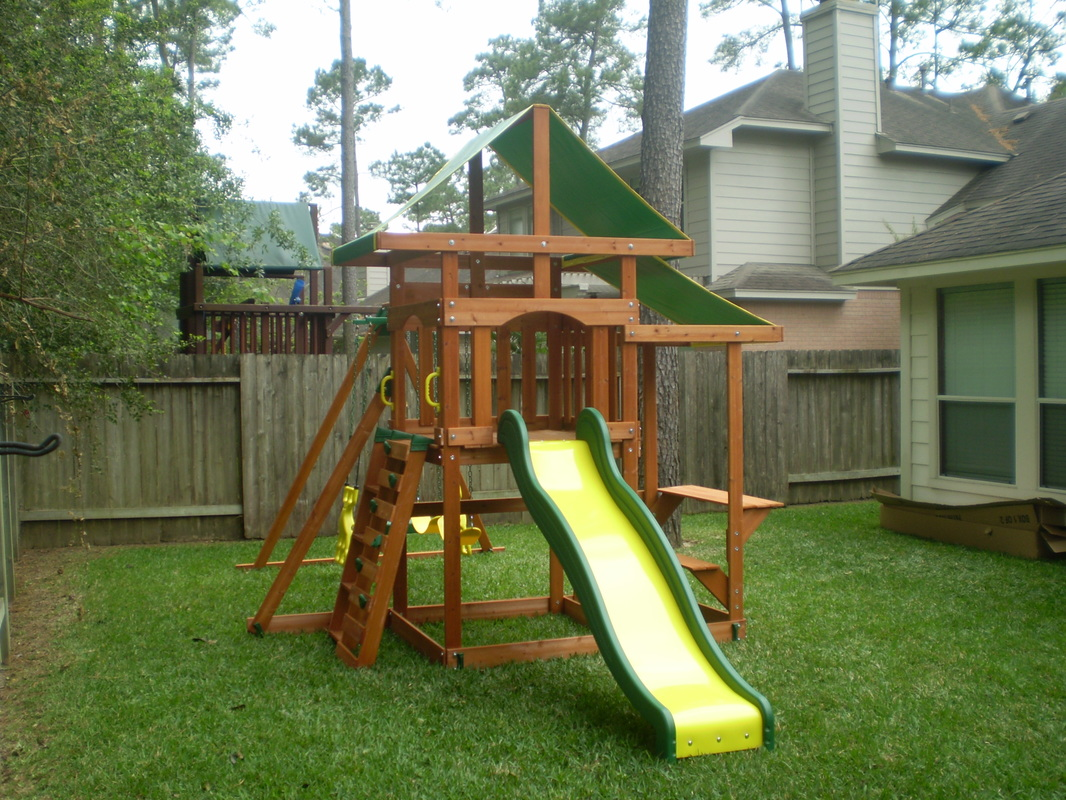 Backyard Discovery Pathfinder Swingset.
