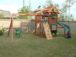 We offer a variety of Playset Services to keep your backyard fun.